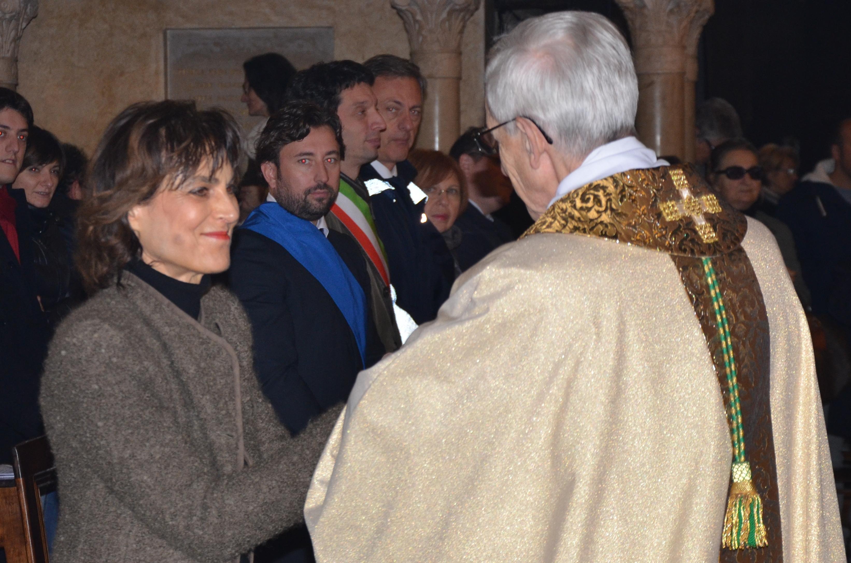Auguri Di Buon Natale Al Vescovo.Nel Messaggio Di Augurio Per Il Natale Del Prefetto Di